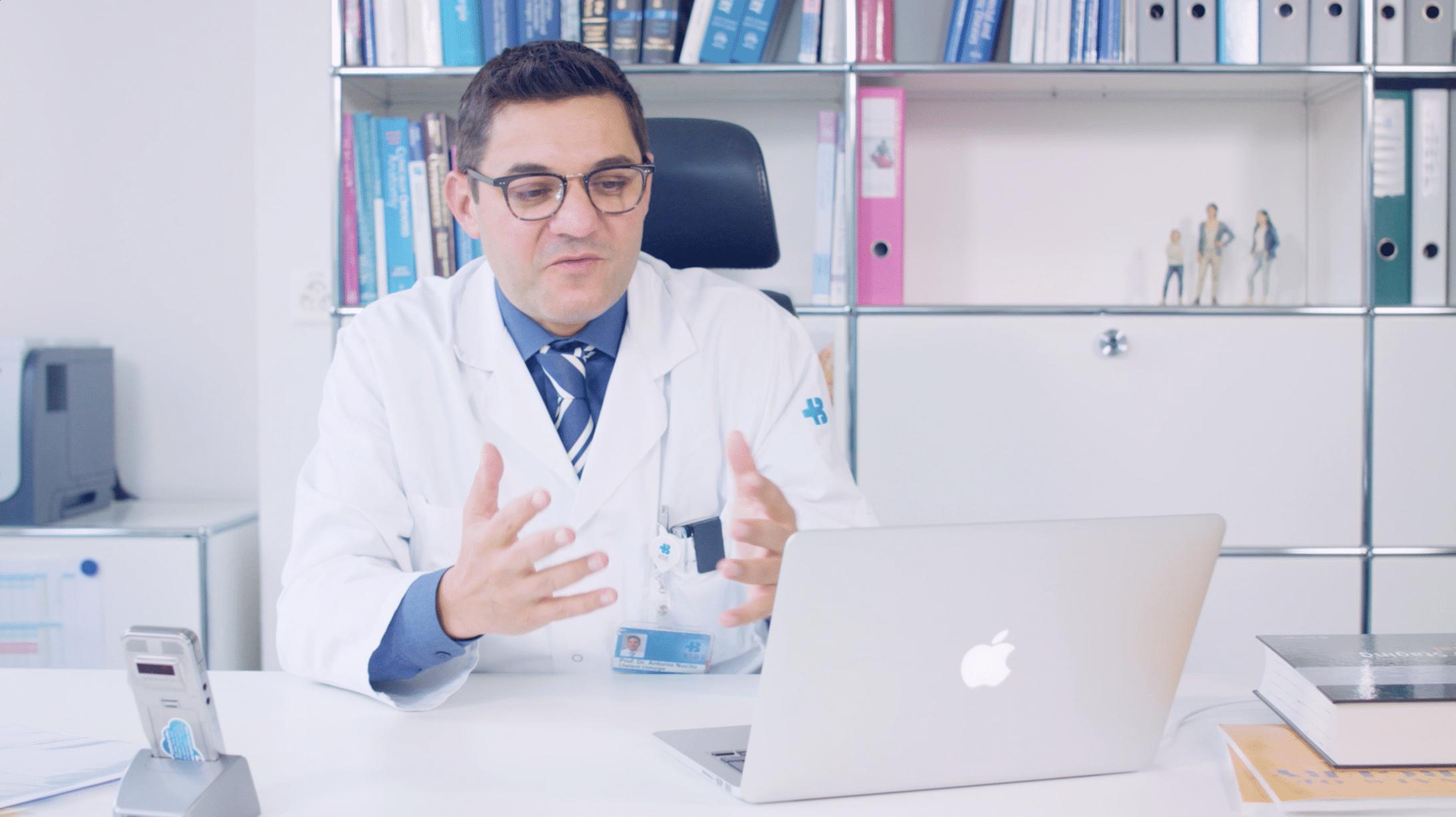 Prof. Dr. med. A. Nocito am Laptop