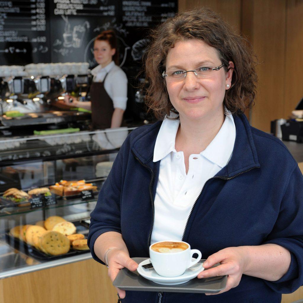 Oberärztin Simone Hasler-Gehrer gönnt sich einen Kaffee