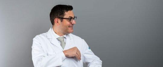 Antonio Nocito untersucht Arztserien